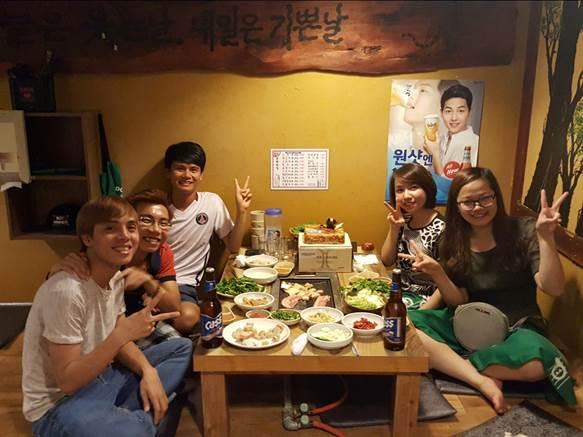 Tự do tham dự những bữa tiệc sôi động cùng các sinh viên Hàn Quốc