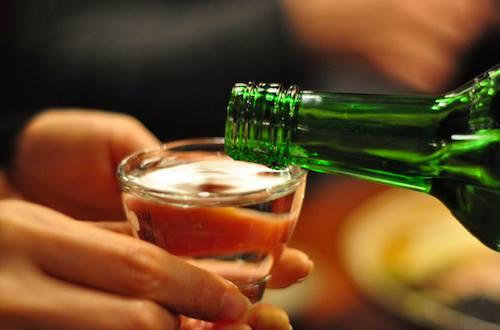 Từ chối uống rượu với người lớn tuổi