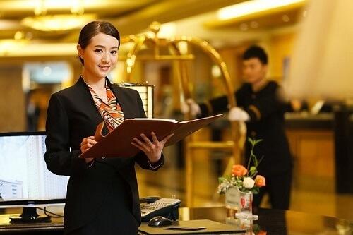 Ngày nay nhu cầu tuyển dụng cho ngành du lịch khách sận ở Việt Nam rất phát triển