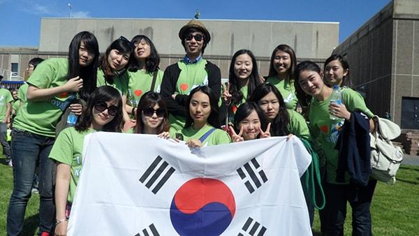 Học sinh Việt Nam đi học 2 năm du học Hàn Quốc