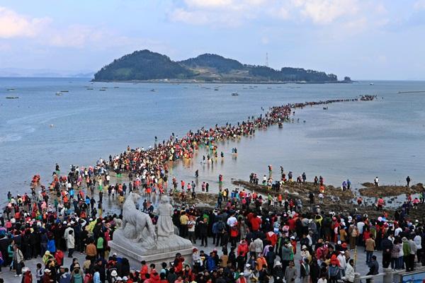 Biển tự tách đôi tại Hàn Quốc