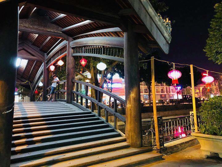 Cầu Chu Tiên đi vào Phố Ẩm Thực