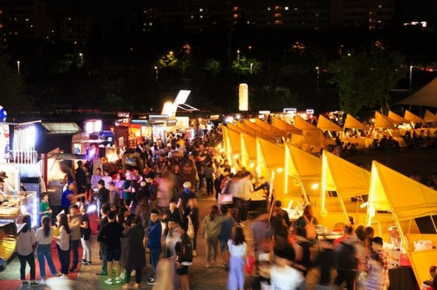 Chợ đêm Cheonggyecheon