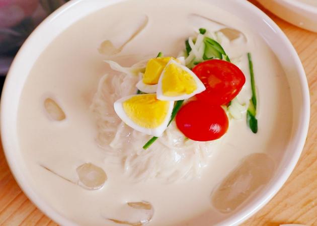 Kongguksu - Món mỳ lạnh đậu nành