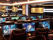 Những quán Internet Cafe như thế này có khởi nguồn từ các quán cafe điện tử với công nghệ máy tính 16 bit