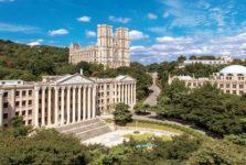 Trường Đại học Kyung Hee là một trong những trường đào tạo ngành du lịch tốt nhất tại Hàn Quốc