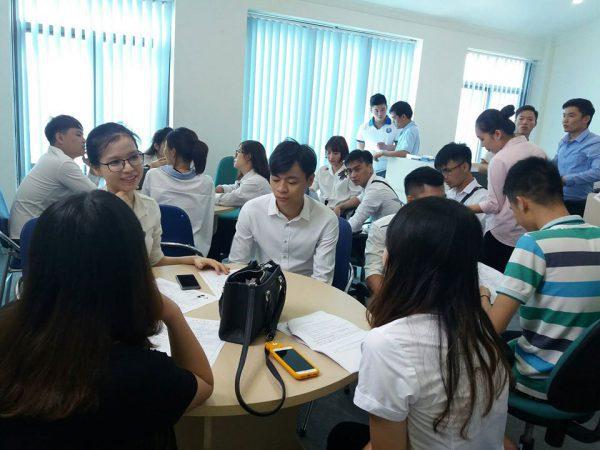 Du học sinh Knet trong buổi phỏng vấn đi du học Hàn Quốc tại công ty