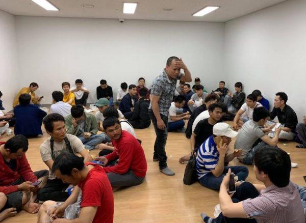 Mượn cớ đi du lịch Hàn Quốc rồi trốn ra ngoài làm, nhiều lao động Việt bị bắt
