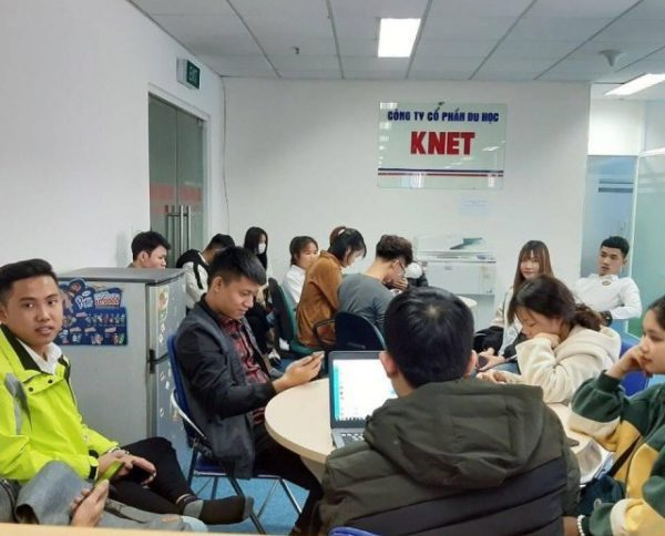 Buổi phỏng vấn của các e đi du học Hàn Quốc tại công ty tư vấn du học Knet
