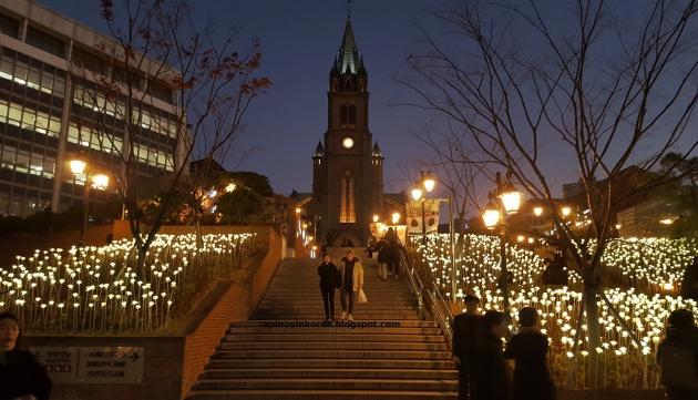 Nhà thờ Myeongdong là một địa điểm đáng ghé thăm vào dịp Giáng sinh ở Hàn Quốc