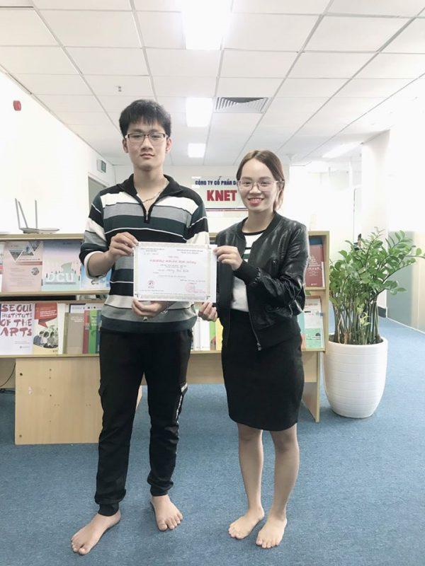 Công ty tư vấn du học Knet tặng học bổng cho học sinh khóa tiếng