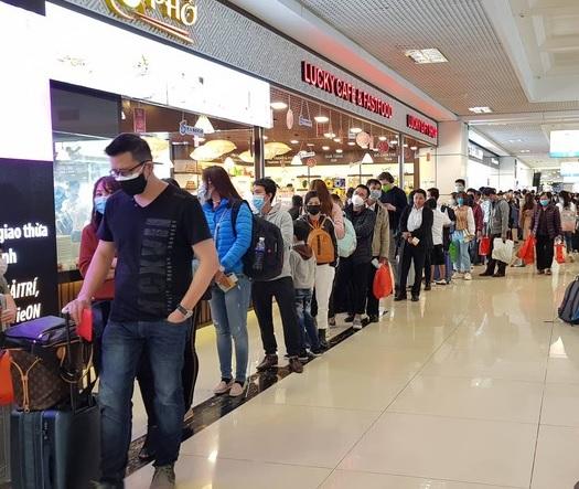 Du học sinh đi du học Hàn Quốc nhập cảnh tại sân bay trong thời điểm dịch bệnh Corona