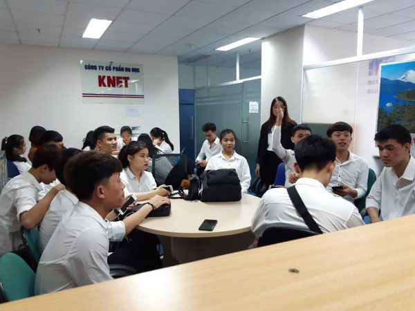 Học sinh Knet trong ngày phỏng vấn du học Hàn Quốc tại công ty