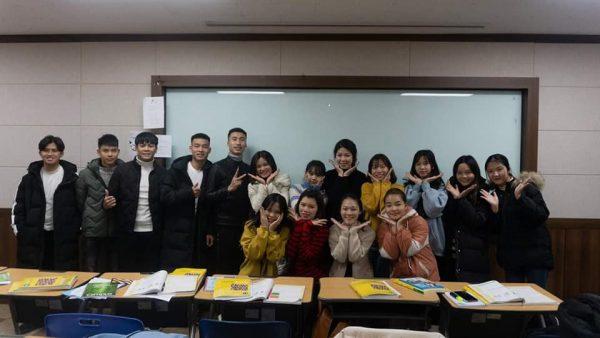 Lớp học tiếng Hàn tại trung tâm dạy tiếng Knet