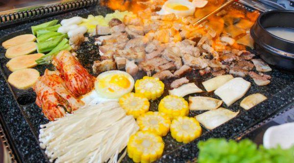 Vào mùa đông, các món ăn nóng chủ yếu là đồ nướng tại Hàn Quốc được lên ngôi