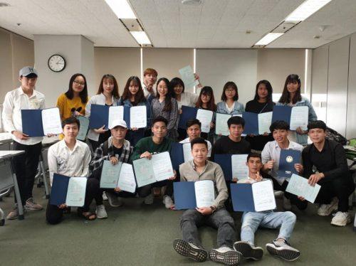 Học sinh của Knet trong ngày nhận được mã code visa