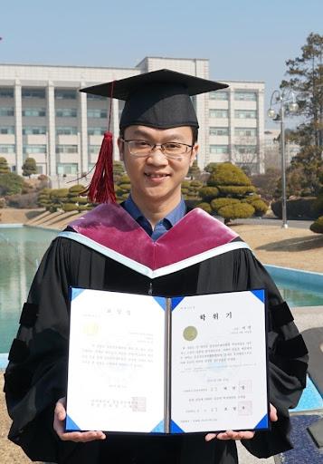Tiến sĩ Huỳnh Minh Triết tốt nghiệp tại Trường Cao học Logistics của Đại học Inha Hàn Quốc