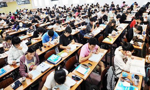 Bên trong hagwon - lò luyện thi đại học ở Hàn Quốc - Ảnh- Korean Times