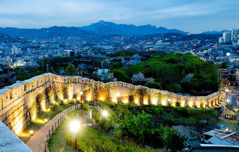 Bức tường thành Seoul