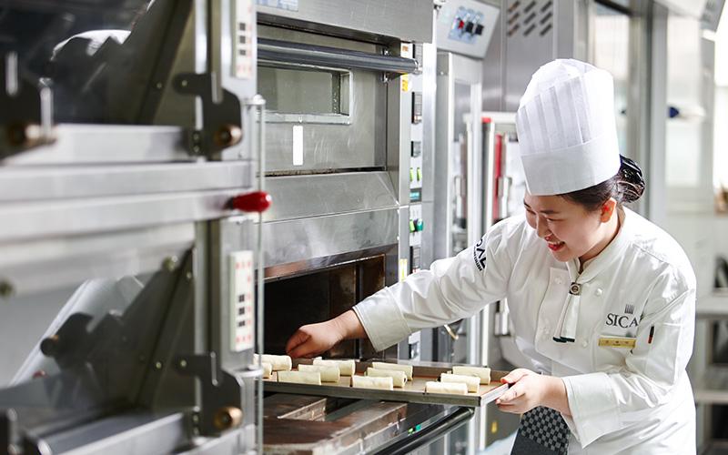 Cơ sở vật chất đầy đủ phục vụ cho việc học nấu ăn