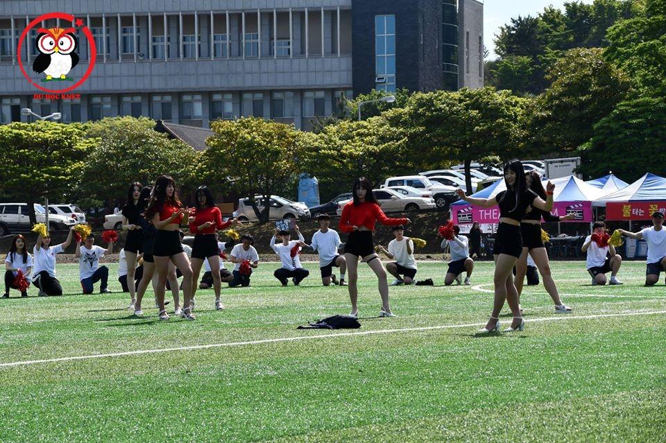 Đại học quốc tế Jeju có nhiều bạn gái xinh xắn lắm nhé ^^